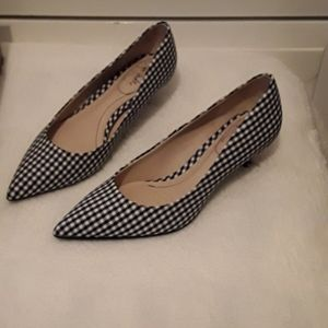 Life Stride black and white heels size 6.5 M